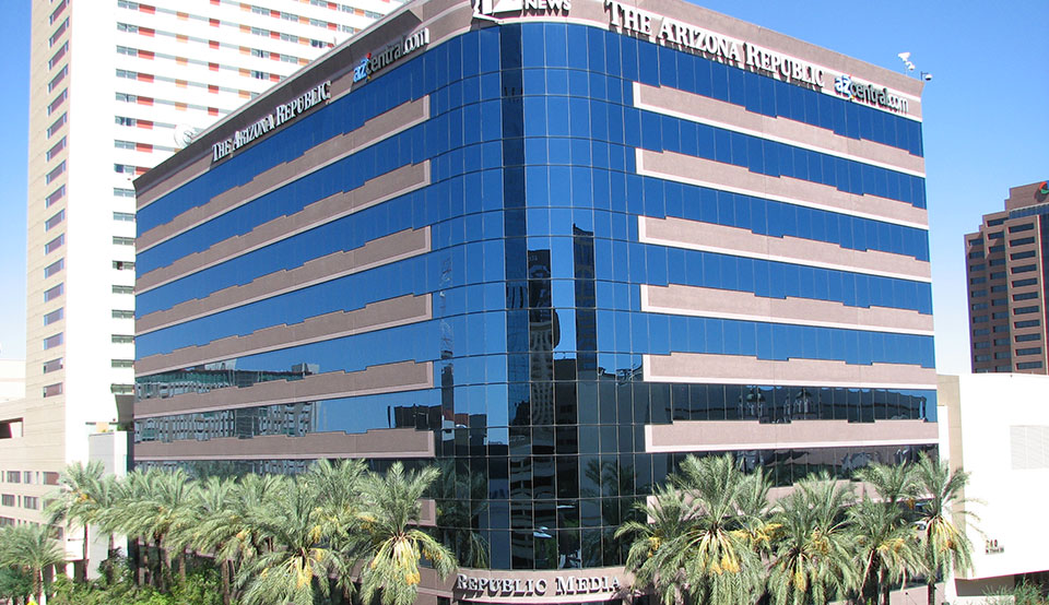 "Faced with big merger threat, ""Arizona Republic"" staffers move towards unionization"