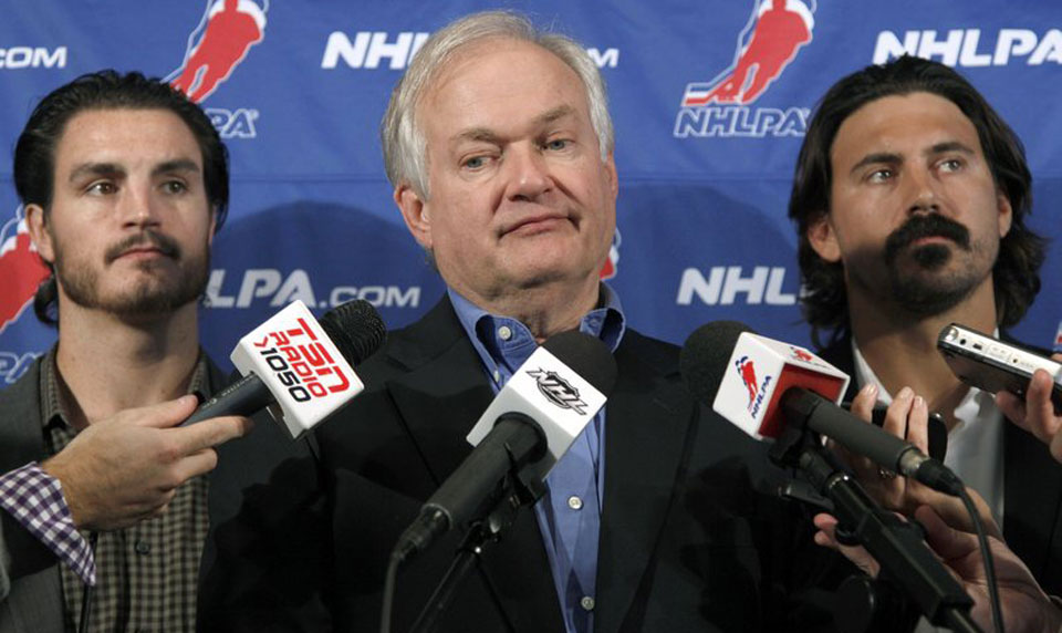 NHL players stick to current collective bargaining agreement until 2022