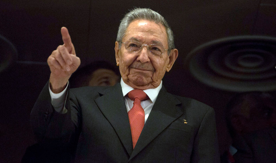 Trump bans Raul Castro and his children from coming to U.S.