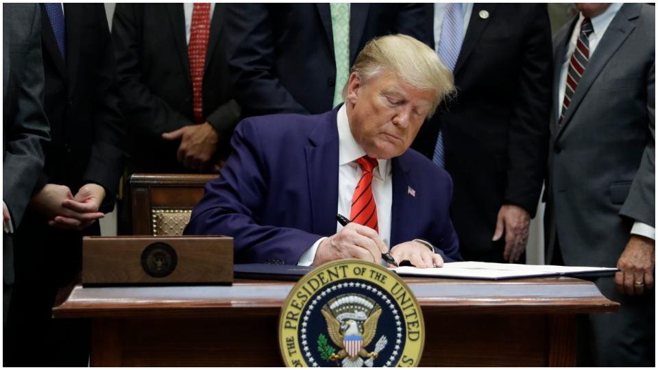 Secret Trump memo details plans to destroy government workers' unions