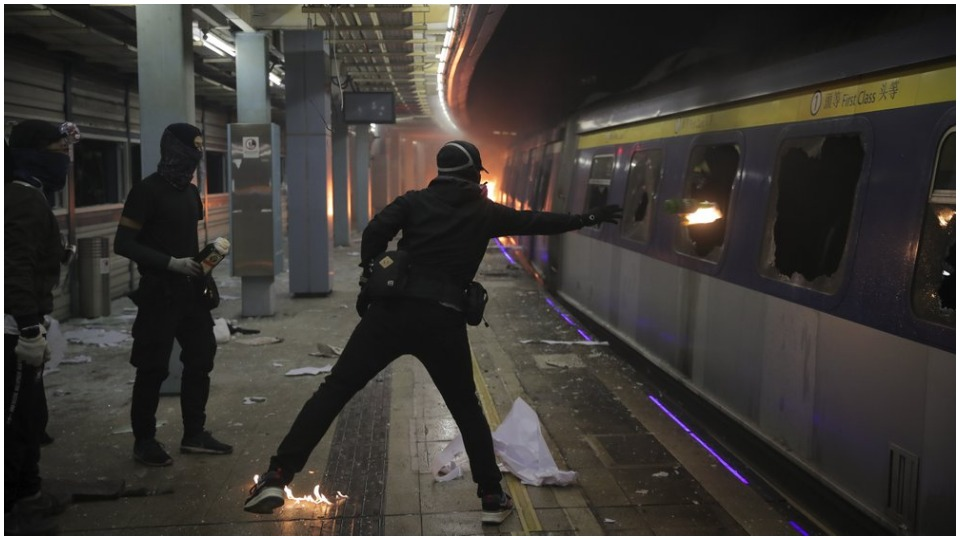 Violent riots force Chinese and foreign students to flee Hong Kong