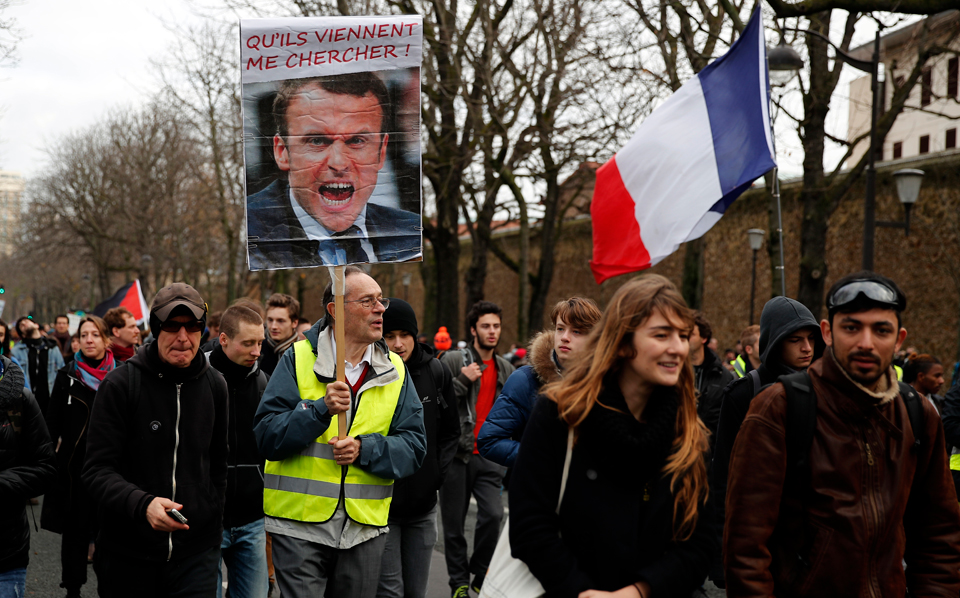 """Macron unites all French workers—against him and his pension """"reforms"""""""