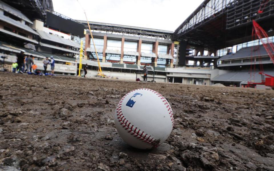 Study: Inconsistent seams, player behavior behind home run uptick