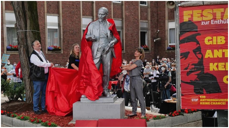 Racist statues fall everywhere as new Lenin statue rises in Germany