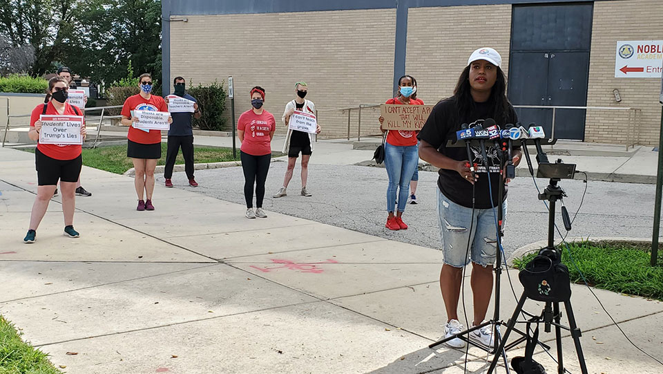 Chicago teachers say remote learning only way to keep kids safe