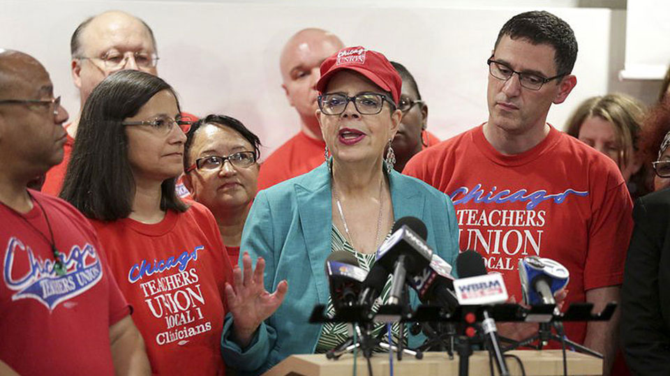 Trailblazing former Chicago Teachers Union President Karen Lewis dies at 68