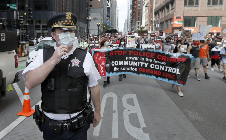 Chicago activists back a new ordinance for serious police reform