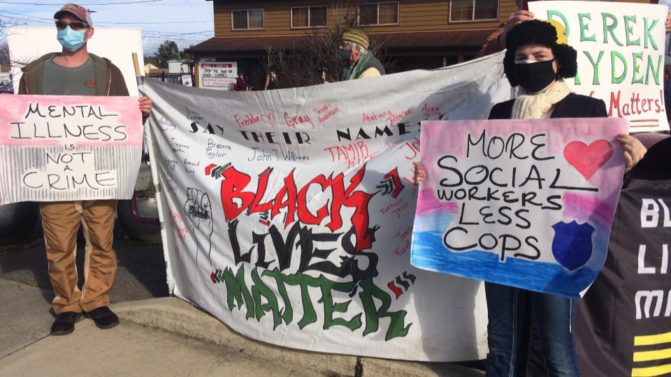 Black Lives Matter vigil mourns Derek Hayden, shot by Seattle police