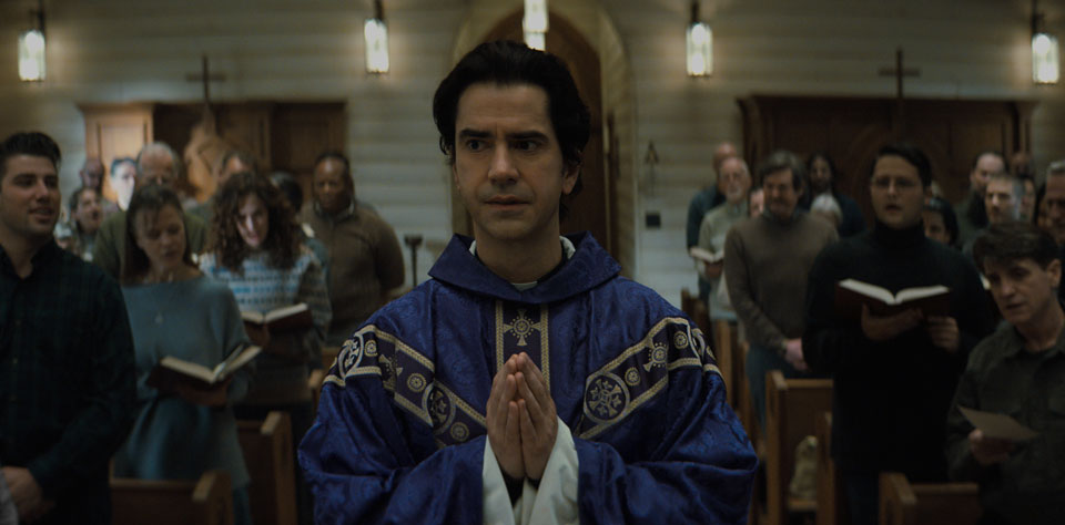 'Midnight Mass:' Horrific tale shows complex relationship of class and religion